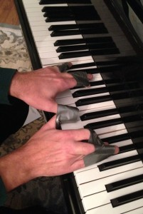 """A pianist is forced to experience piano playing with a feeling of """"muscular blur."""""""